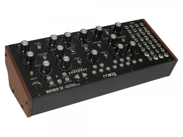Moog Mother-32 semi-modulaire synthesizer